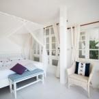 บ้านกางมุ้ง one bedroom beach front