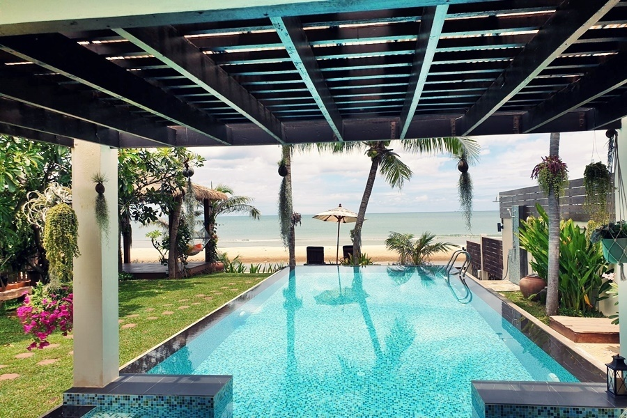 บ้านไบร์ทบีช ปราณบุรี พูลวิลล่า